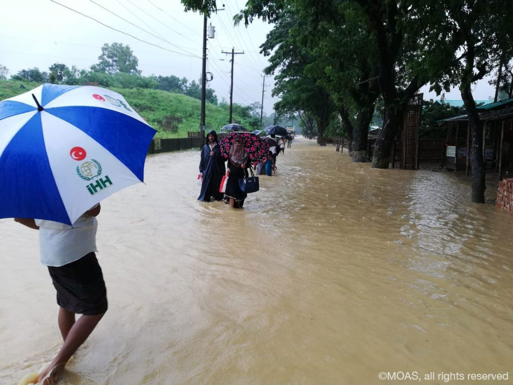 floods-at-Tankhali-main-road_2